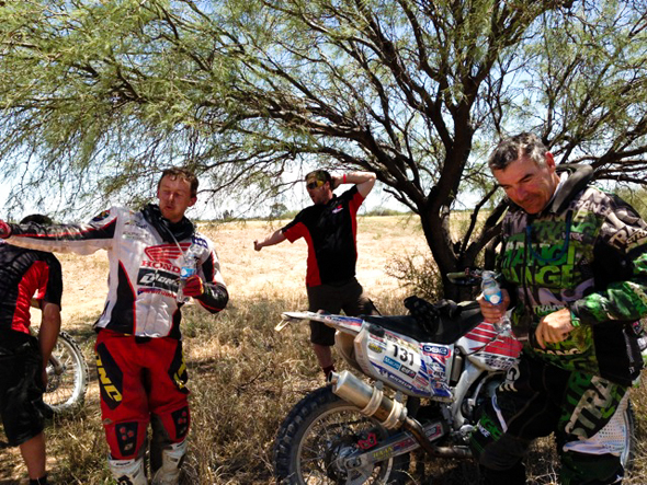 Dakar 2013: Brett and Warren hiding from the 40+ weather.